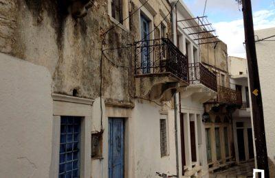 Βόλτα στην Απείρανθο για τους λάτρεις της παραδοσιακής αρχιτεκτονικής